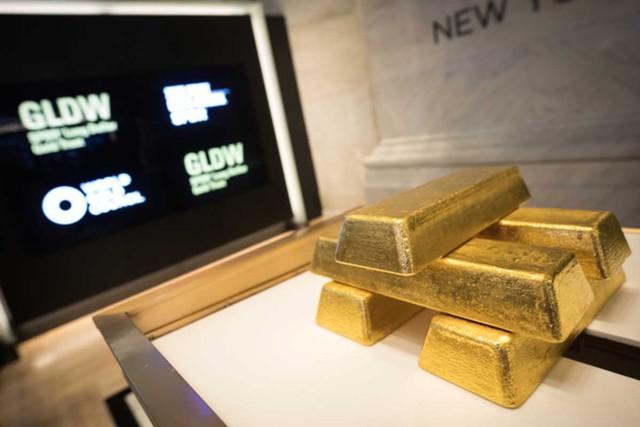 Стоимость золота падает