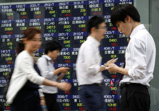 Акции Азии растут в