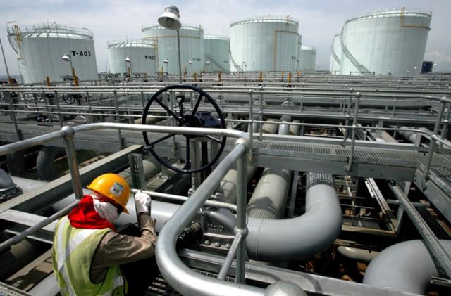Нефть торгуется вблизи