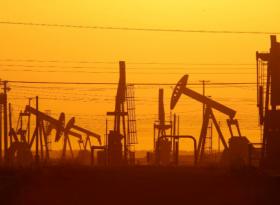Обзор: нефть прибавляет