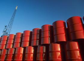 ОБЗОР: нефть слушает