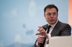 Oppenheimer: главе Tesla