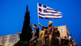 Греция ослабила контроль