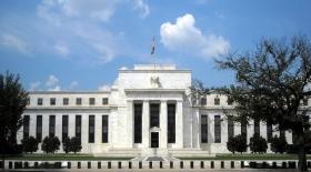ФРС удвоила долг США и