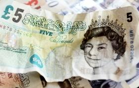 Британский фунт упал до
