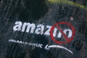 Amazon отказалась