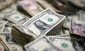 Крепкий доллар душит