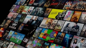 Акции Netflix упали на