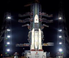 Индия запустит лунную