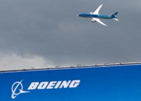 Котировки Boeing упали