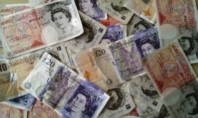 Британская валюта упала