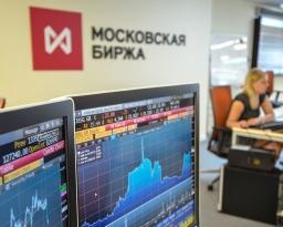 Почему рубль ослаб при