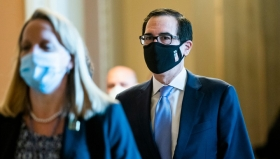Скандал разгорается: кто